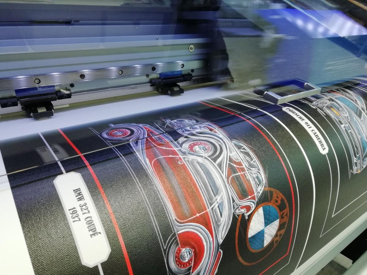 Digitalni tisk na platno