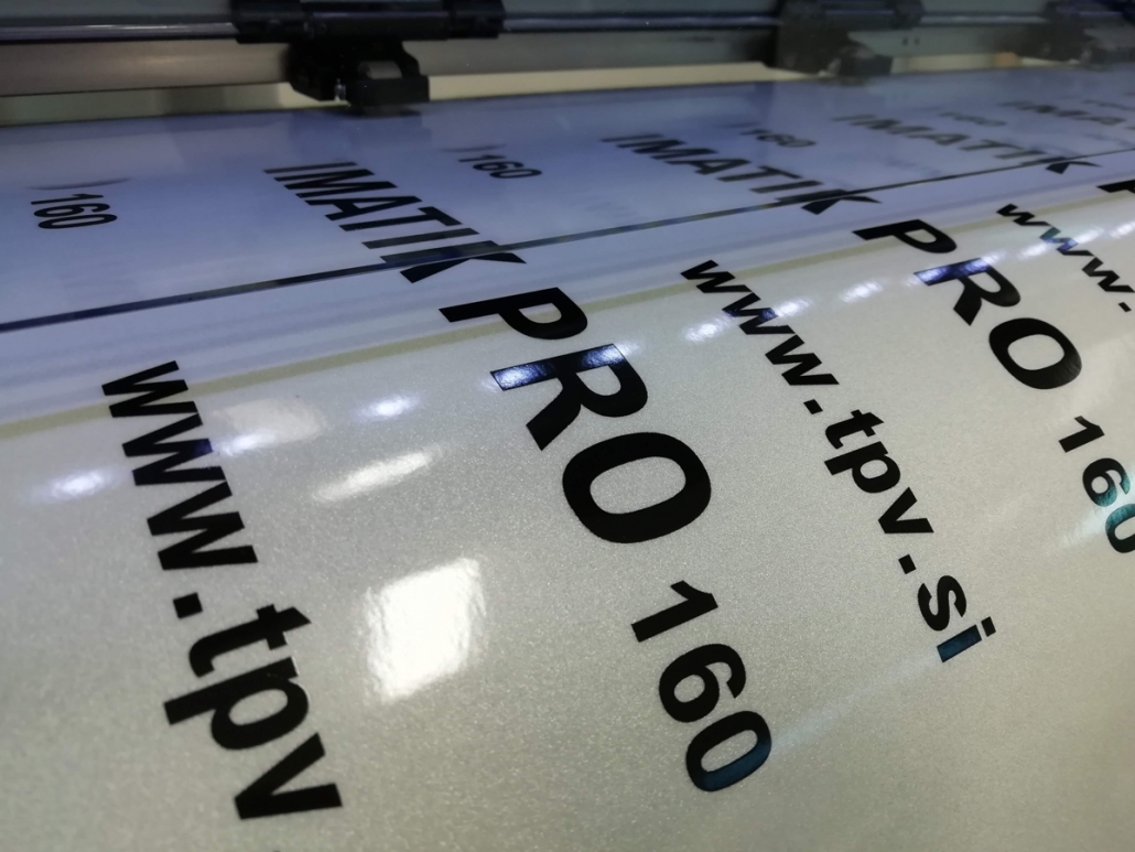 Digitalni tisk na odsevno folijo
