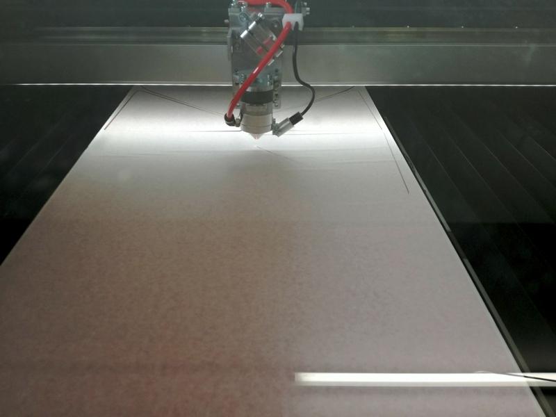 Laser cutting of plexiglass